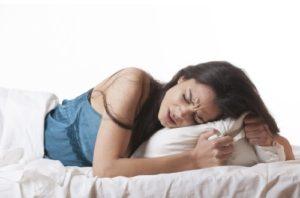 Почему болит живот во время месячных